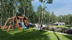 دانلود رندر ویلا کامل خانه کامل چمن درخت حیاط محوطه بازی نور پردازی روز ZA6AE3101