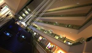 صحنه فضای تجاری مرکز خرید پاساژ فروشگاه آدم ویترین لوستر هایپر مارکت مدل آماده رندر | A7AI1306