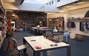 دانلود رندر بوتیک فروشگاه لباس کفش کیف A7AI4103
