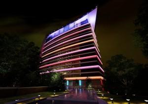 صحنه هتل ساختمان تجاری اداری آبنما چمن جنگل نورپردازی شب مدل آماده رندر | ZA6AE1104