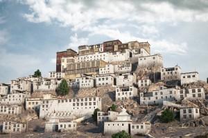 صحنه شهر قدیمی بر روی کوه روستا منجیل مدل آماده رندر | ZA6AE1708