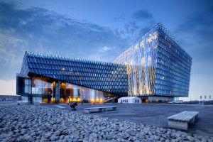 دانلود صحنه ساختمان فانتزی شیشه ای شرکت تجاری غروب سنگریزه مدل آماده رندر | ZA6AE2005
